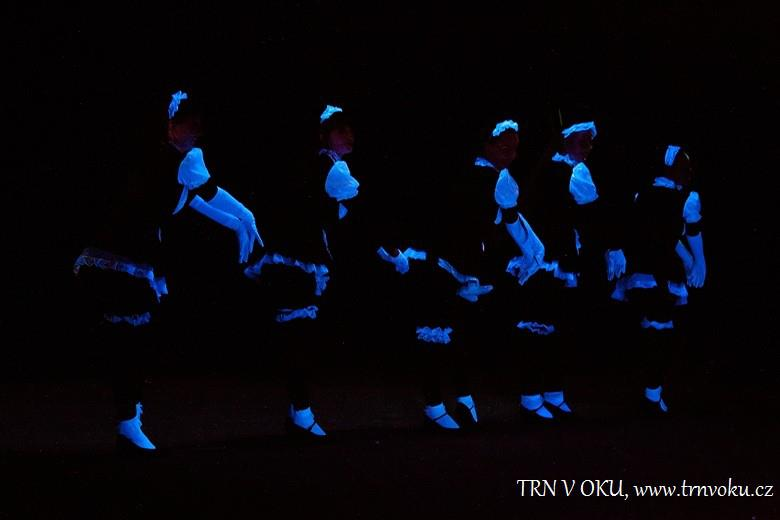 UV a light show by Trn v oku kabaret